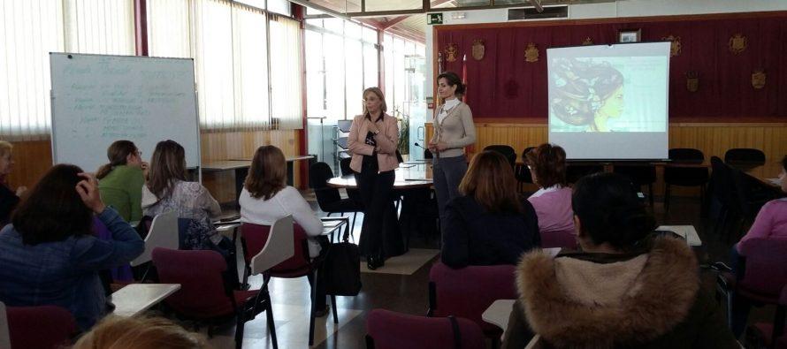 Celebramos el Día de la Mujer ofreciendo formación a las desempleadas