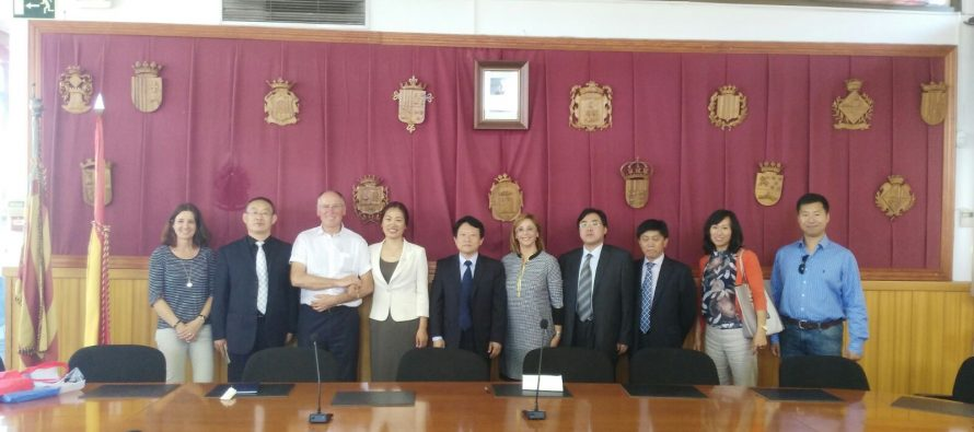 Una delegación china visita la comarca de Camp de Túria