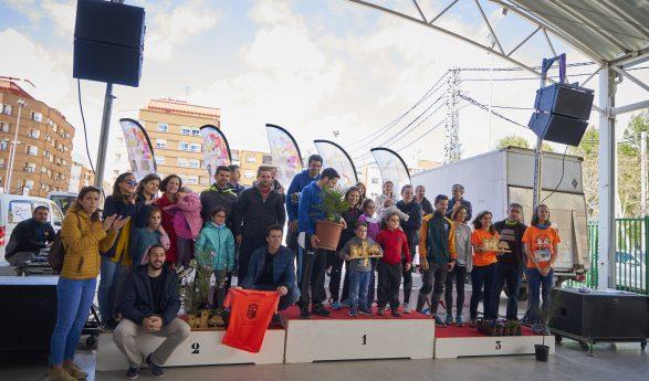 Colla Consolat de Mar y Delta Valencia, ganadores de la IX Carrera de los Árboles y Castillos