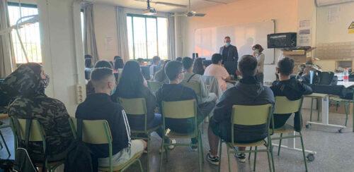 MCT ofrece charlas motivacionales en los institutos de la comarca